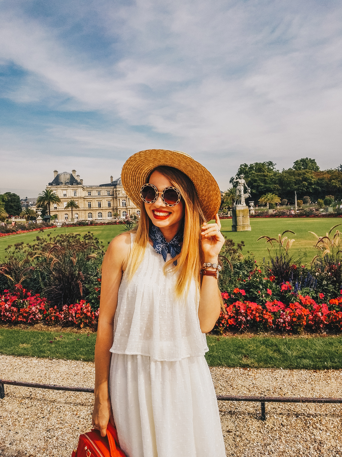 paris-jardin-luxembourg-pink-wish-french-outfit-5