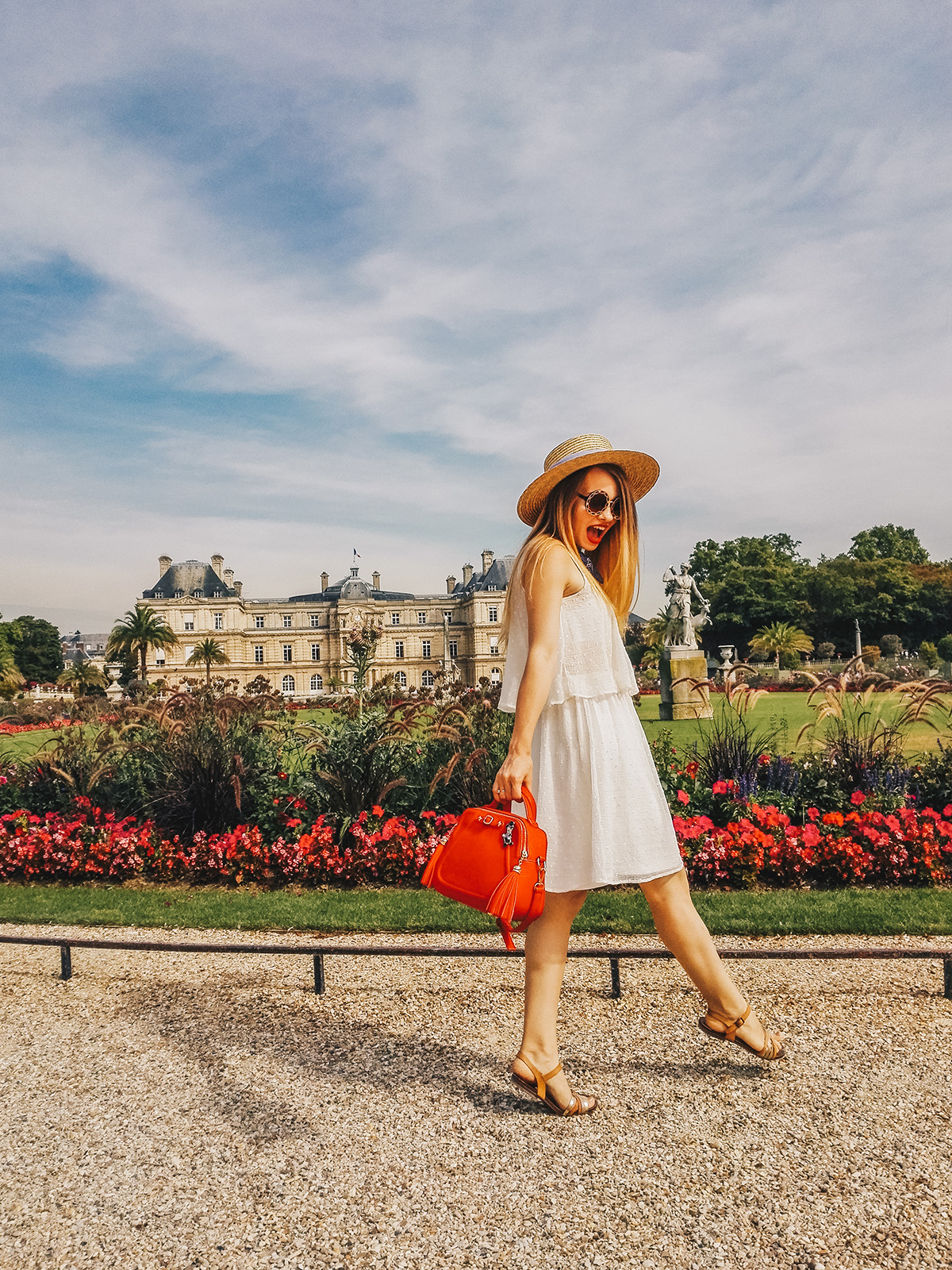 paris-jardin-luxembourg-pink-wish-french-outfit-7