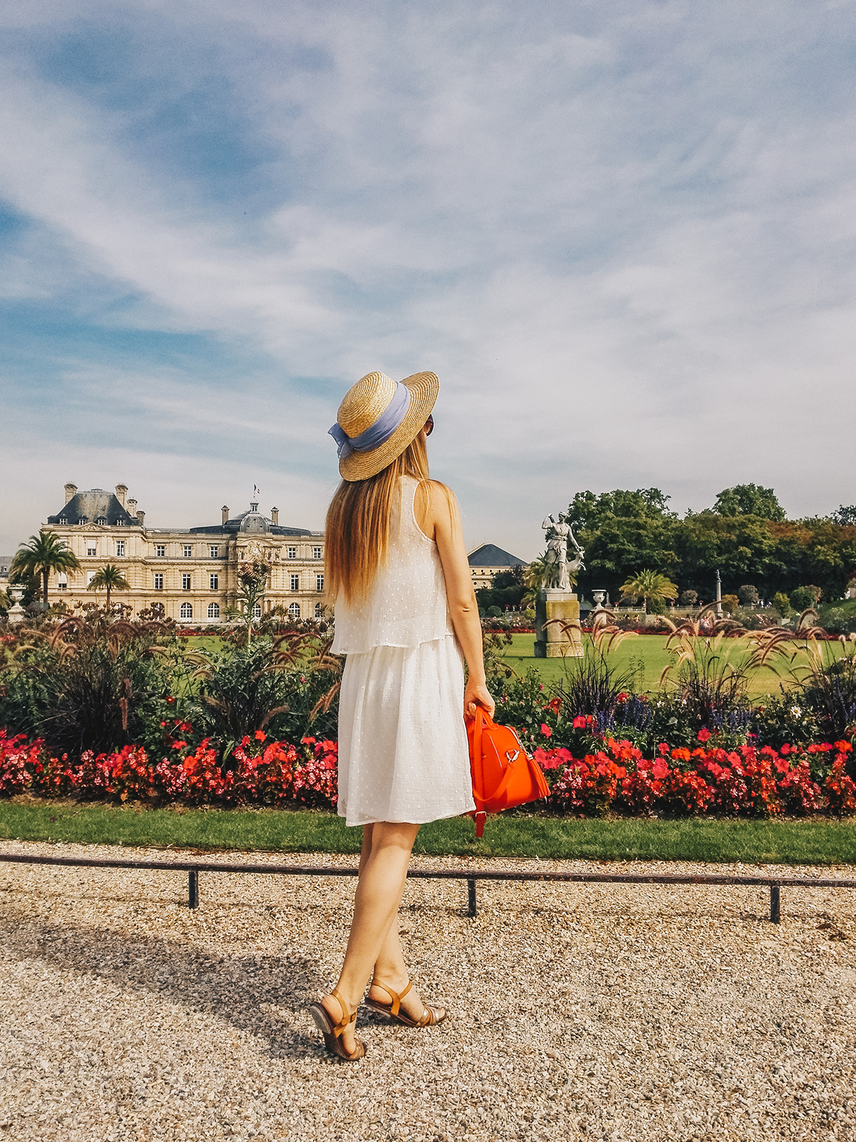 paris-jardin-luxembourg-pink-wish-french-outfit-9