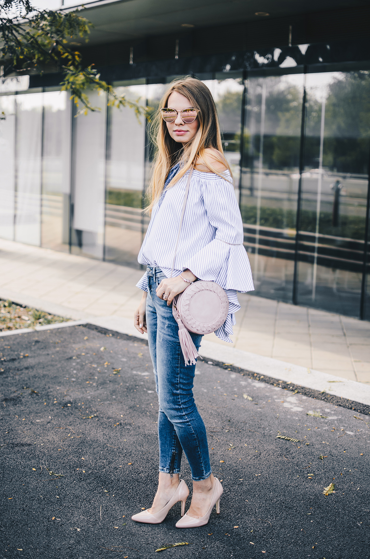 off-shoulder-ruffle-sleeves-zara-jeans-mirroredsunglasses-scarf-2