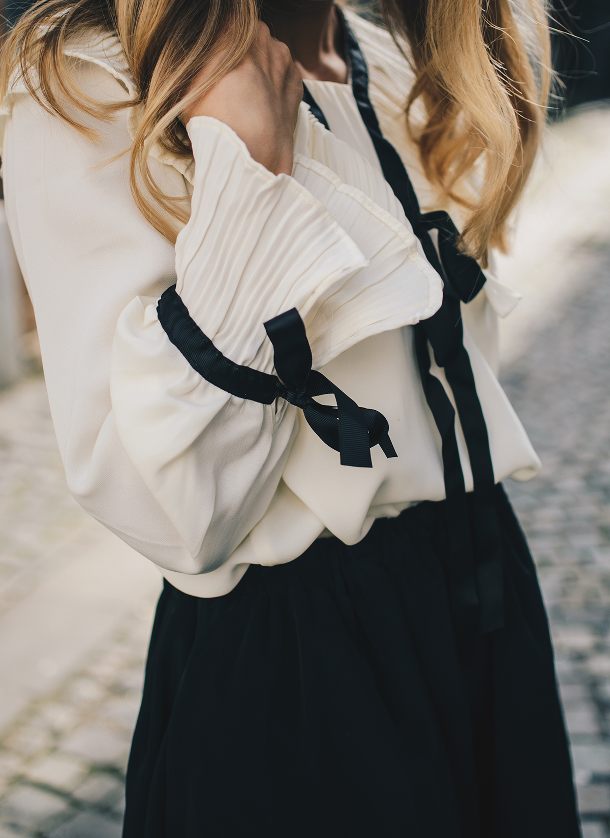victorian-style-blouse-fall-2016-trends-18