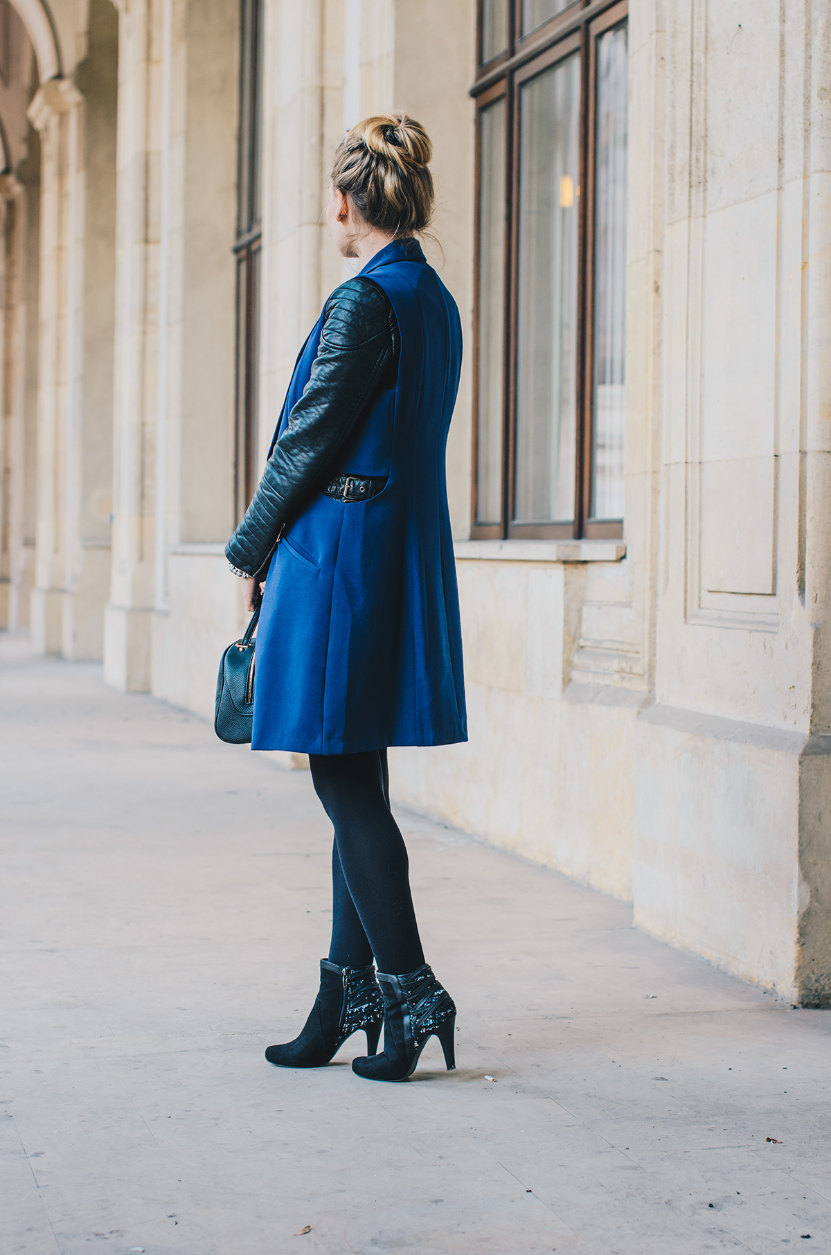 blue-lapel-vest-vipme-autumn-outfit-messy-bun-4