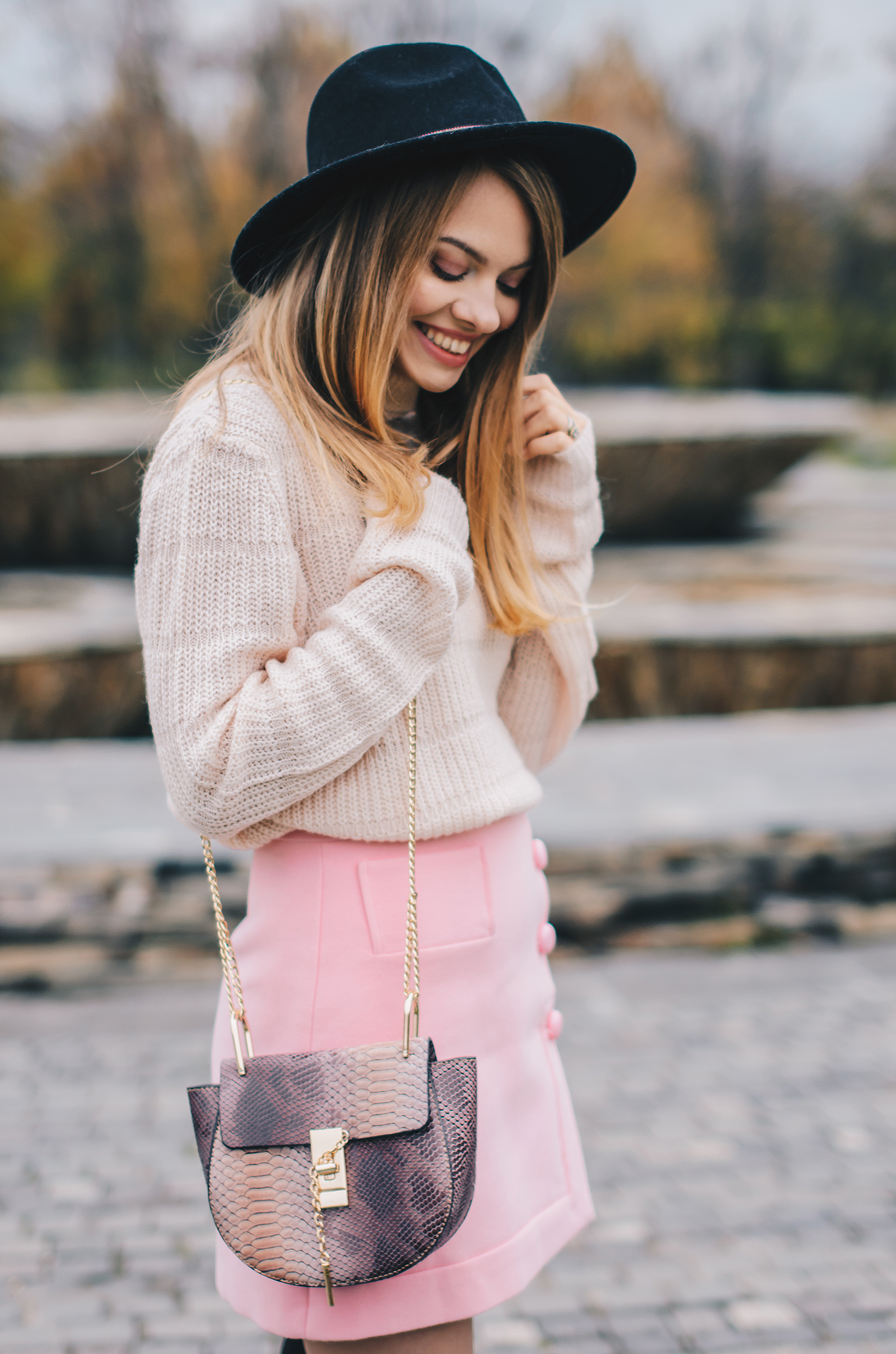 pink-turtleneck-pink-mini-skirt-black-hat-over-theknee-boots-10