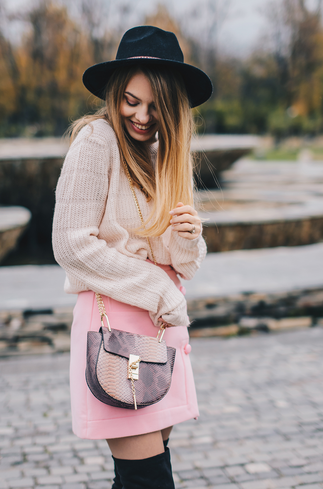 pink-turtleneck-pink-mini-skirt-black-hat-over-theknee-boots-12