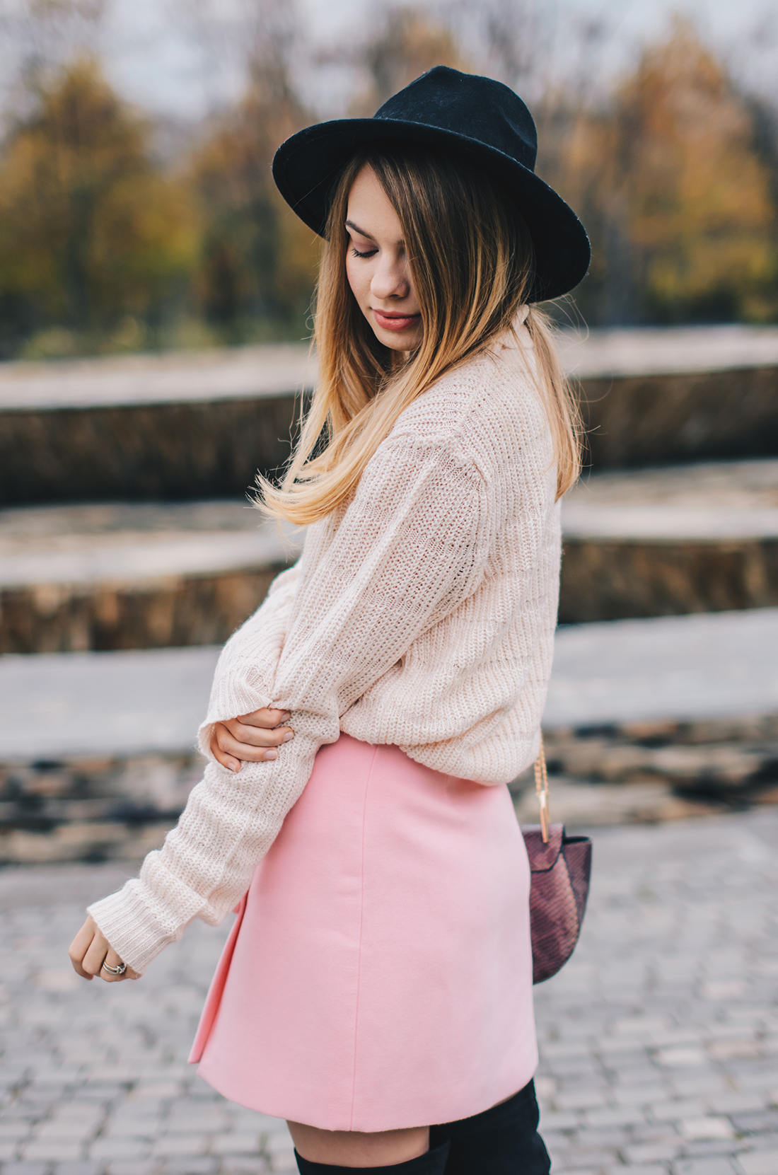 pink-turtleneck-pink-mini-skirt-black-hat-over-theknee-boots-13