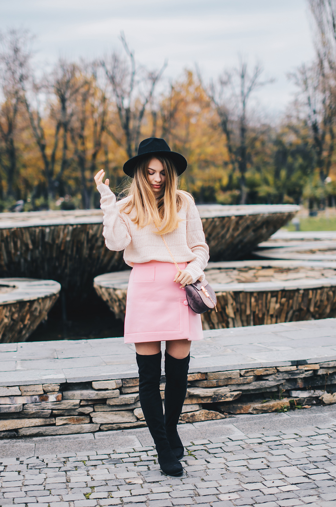 pink-turtleneck-pink-mini-skirt-black-hat-over-theknee-boots-4