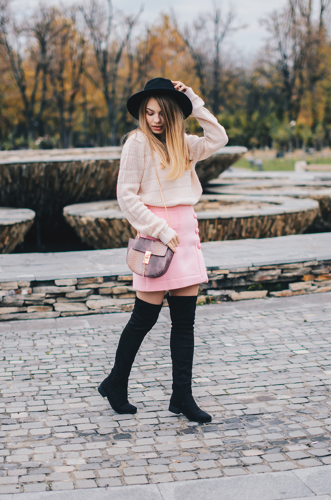pink-turtleneck-pink-mini-skirt-black-hat-over-theknee-boots-8