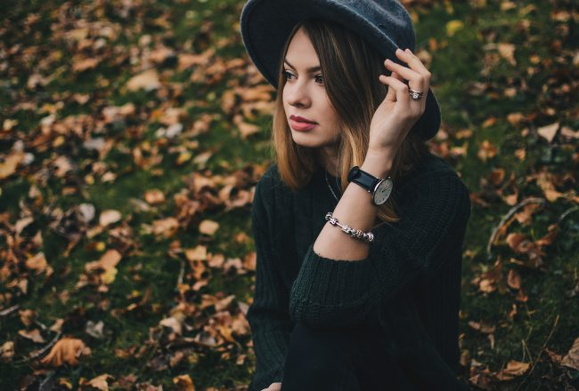 simple-dark-fall-outfit-pink-wish-1