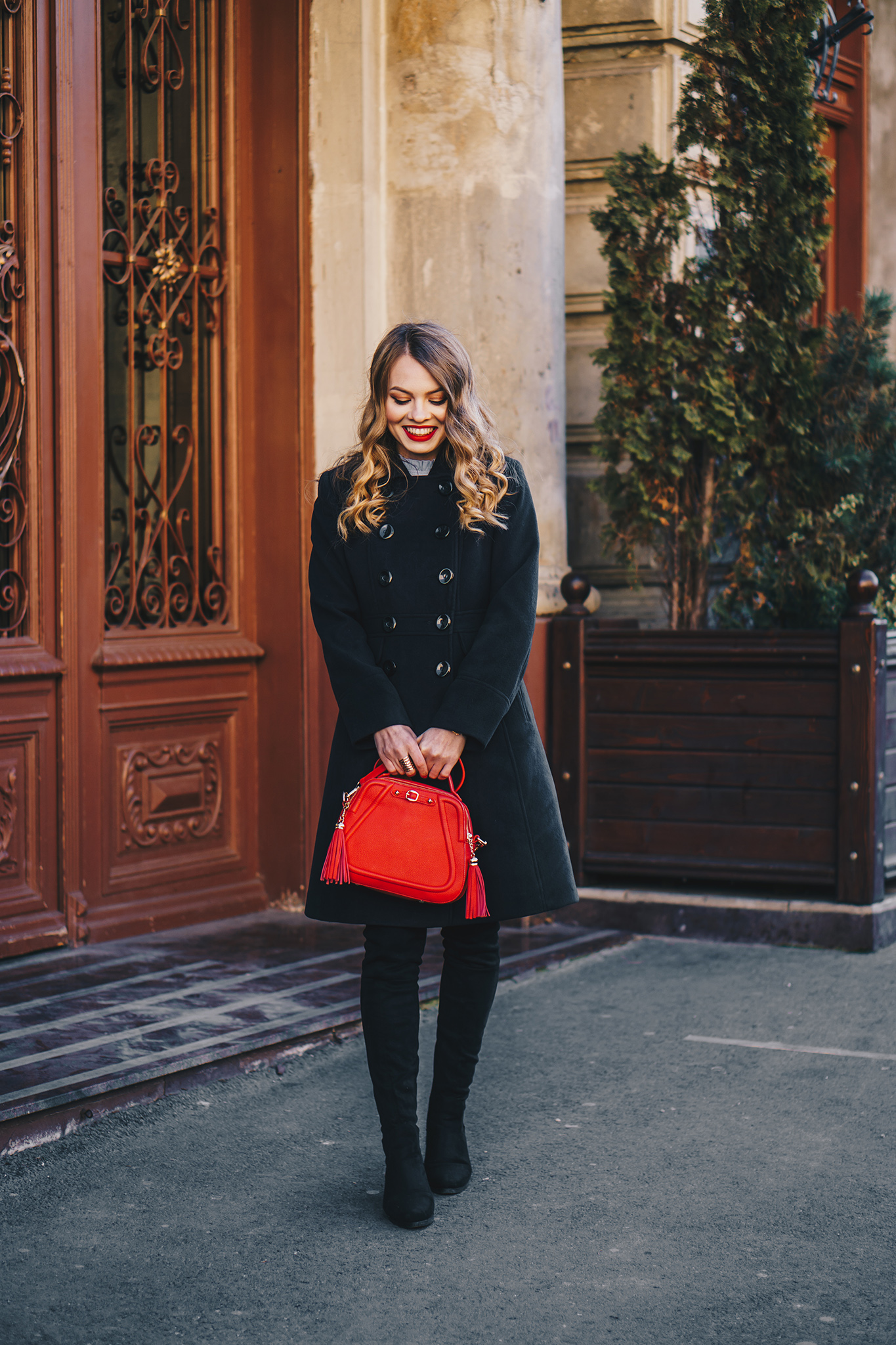 black-coat-red-plaid-skirt-over-the-knee-boots-winter-outfit-2