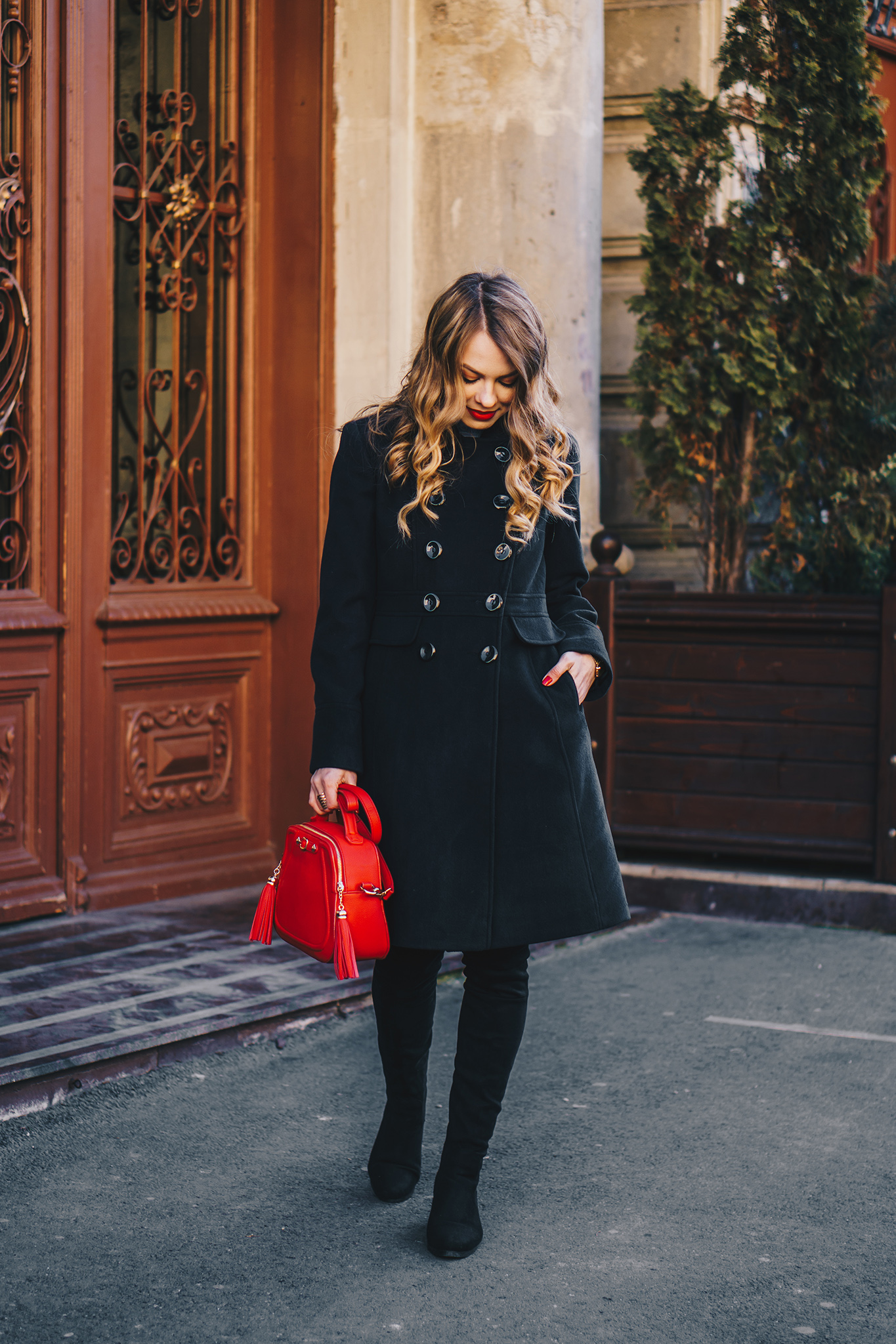 black-coat-red-plaid-skirt-over-the-knee-boots-winter-outfit-3