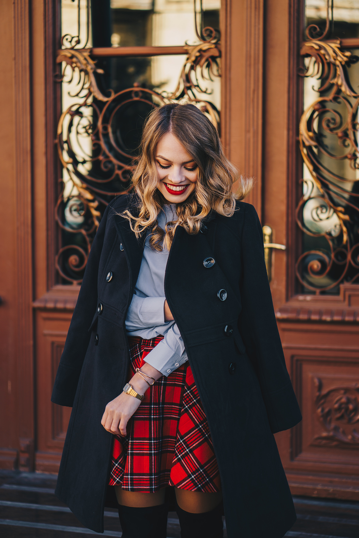 black-coat-red-plaid-skirt-over-the-knee-boots-winter-outfit-4