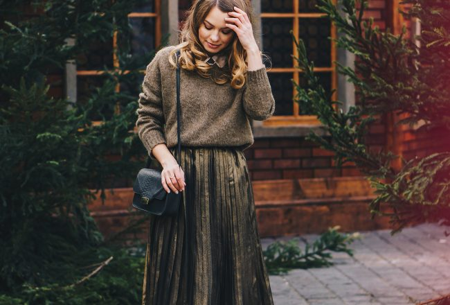gold-metallic-pleated-skirt-winter-outfit-pink-wish-5