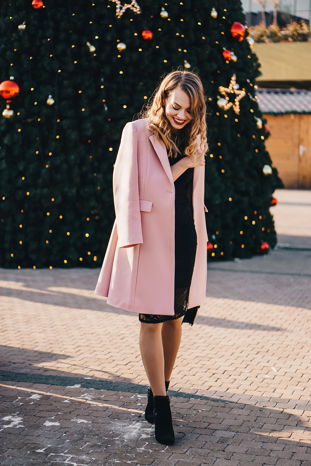 little-black-dress-pink-coat-christmas-outfit-pink-wish-1
