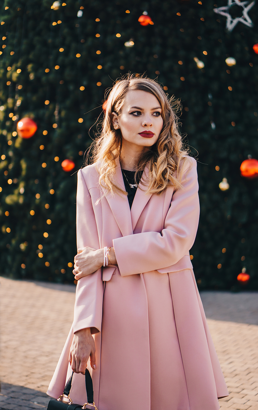 little-black-dress-pink-coat-christmas-outfit-pink-wish-11