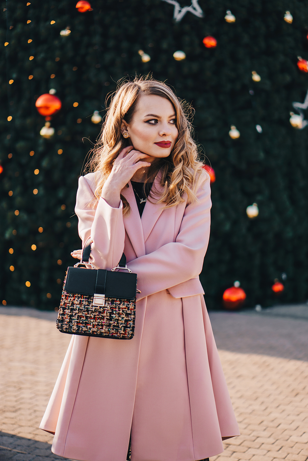 little-black-dress-pink-coat-christmas-outfit-pink-wish-12