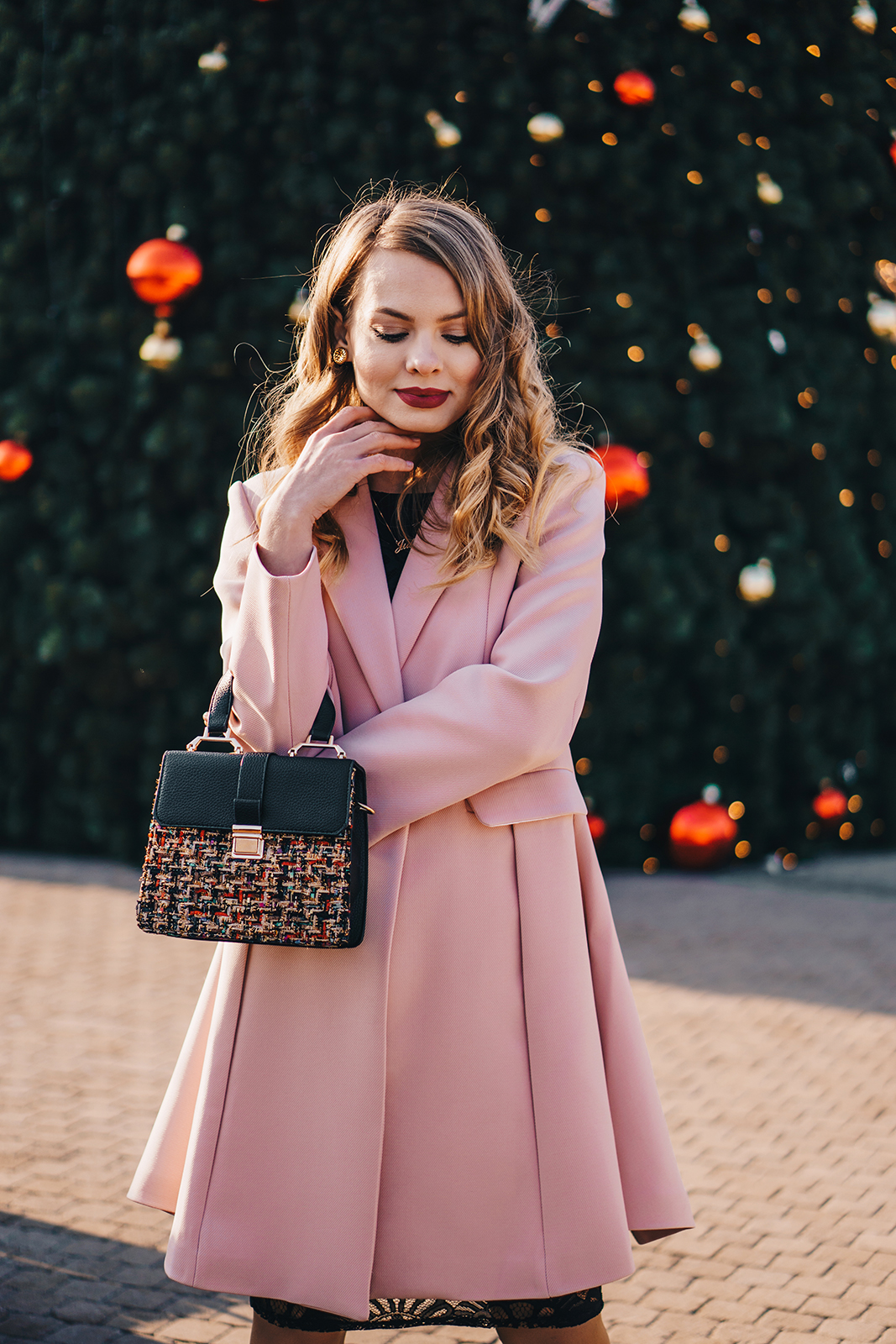 little-black-dress-pink-coat-christmas-outfit-pink-wish-13