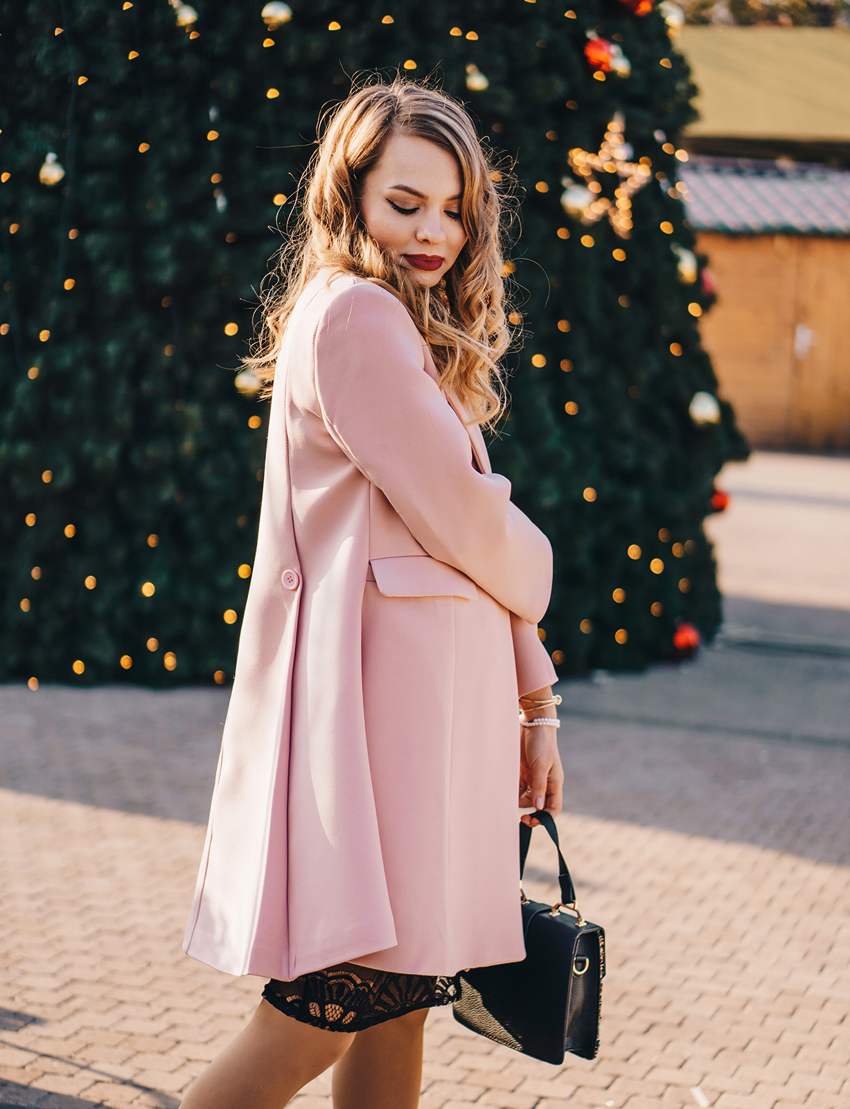 little-black-dress-pink-coat-christmas-outfit-pink-wish-15