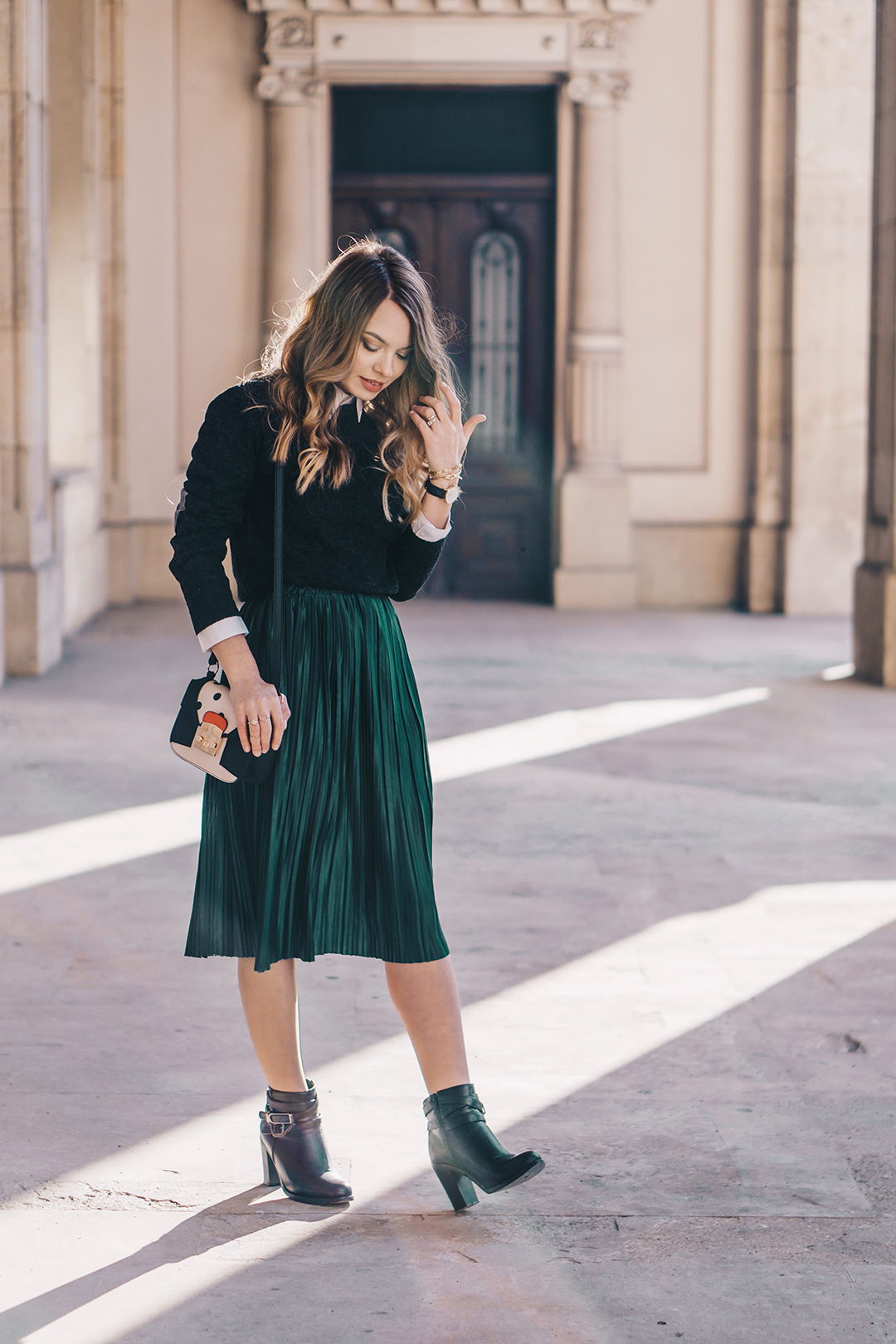 emerald-green-pleated-skirt-preppy-outfit-pink-wish (10)