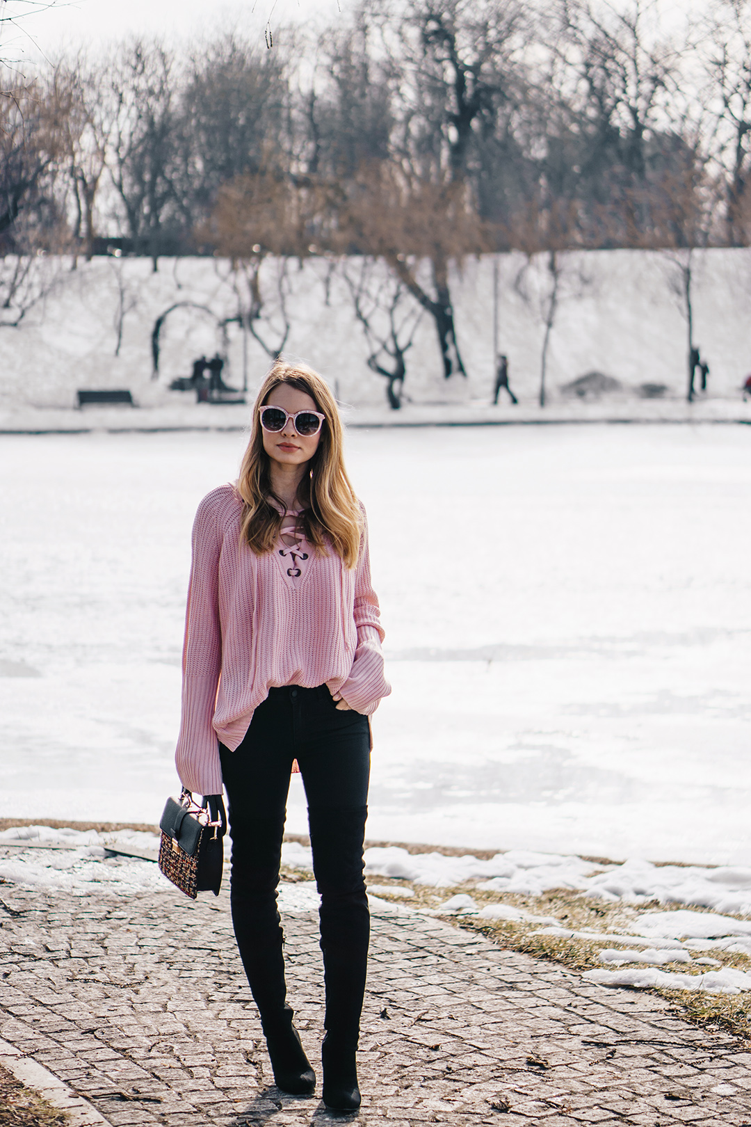 lace-up-sweater-winter-outfit-pink-wish (2)