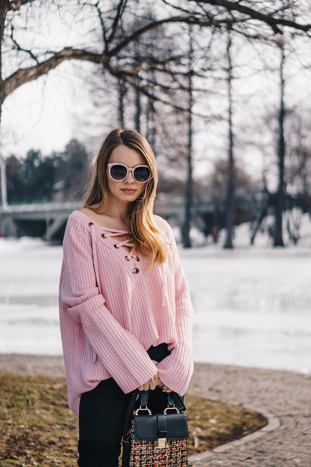 lace-up-sweater-winter-outfit-pink-wish (5)