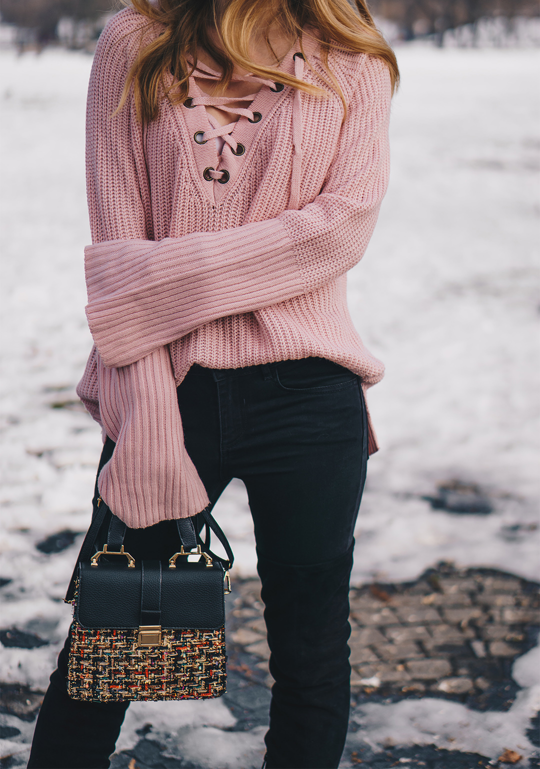 lace-up-sweater-winter-outfit-pink-wish (6)